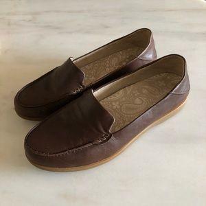 OLUKAI KIELE Dark Java Brown Slip On Leather Shoes